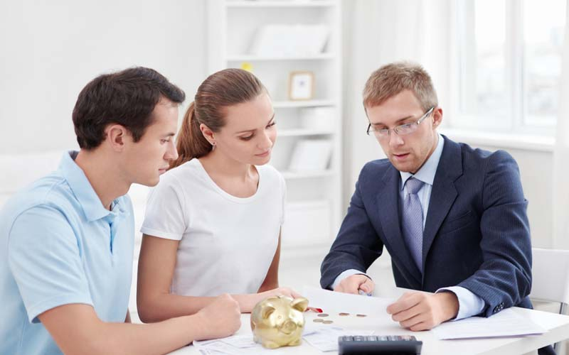 Are there Benefits of Hiring a Financial Advisor ?
