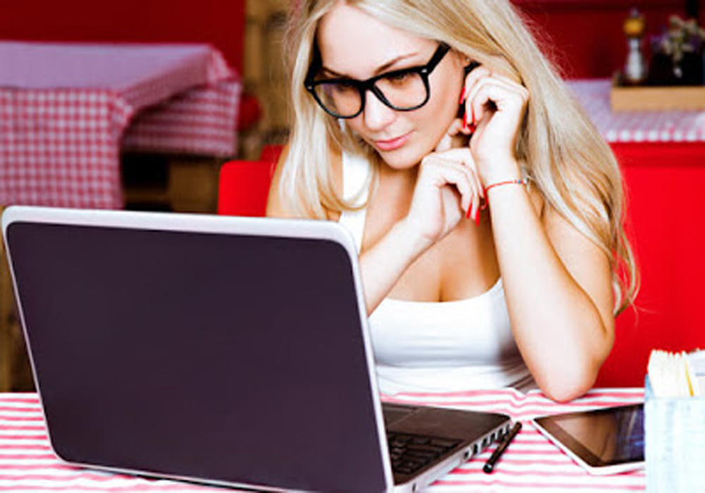 Why Consider the Benefits of Computer Reading Glasses